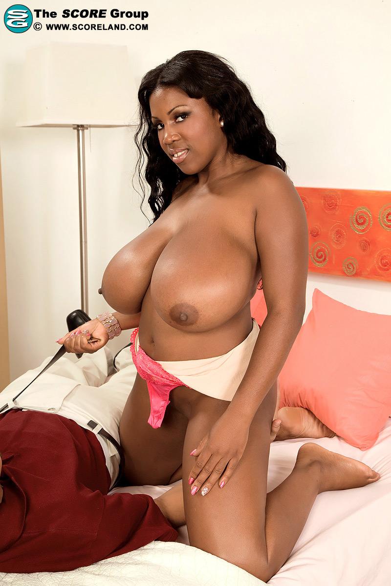 Nude black girls twerking pussy